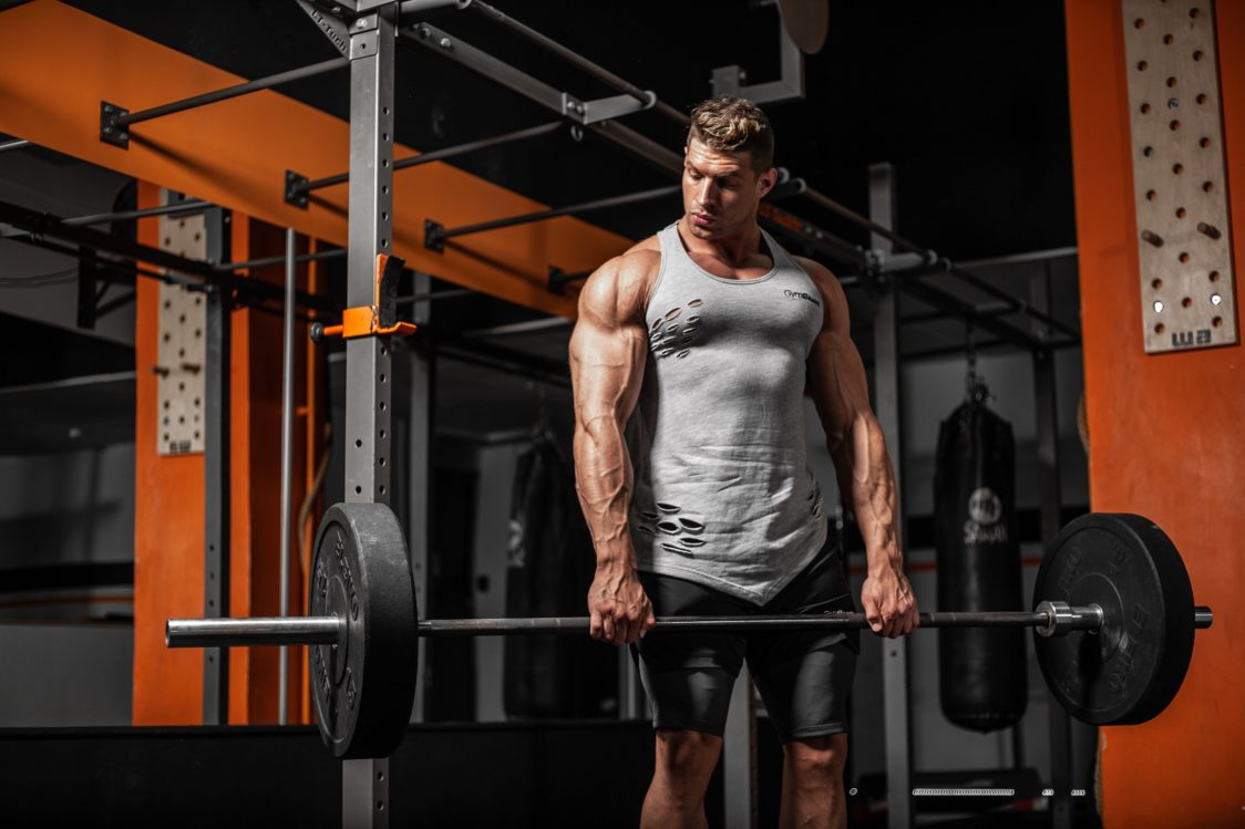 Erhöht die Kniebeugen- und Kreuzheben-Kraft